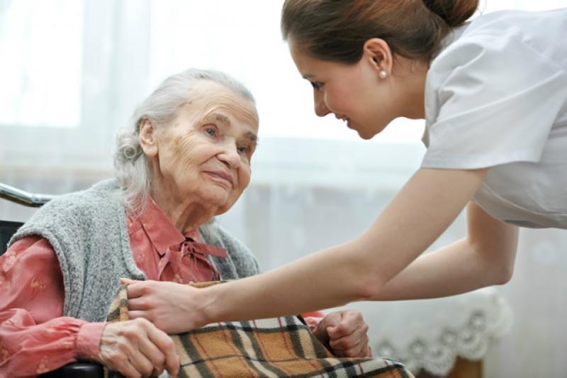 Anvisa alerta e orienta como escolher a casa de repouso para idosos